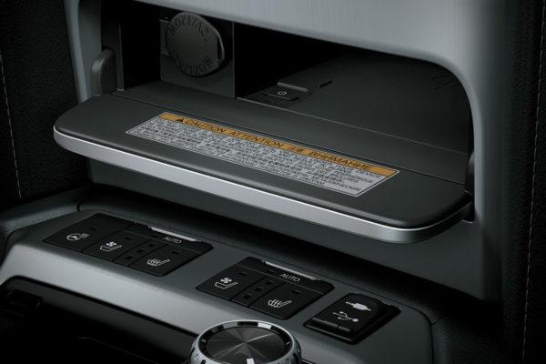 Toyota Land Cruiser multifungsi - Nasmoco Pati
